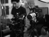 Penggunaan 2 kamera sekaligus dengan 2 focal length berbeda akan sangat menghemat waktu
